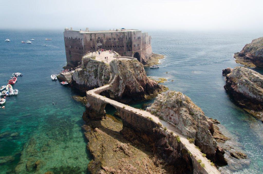 Крепость на острове