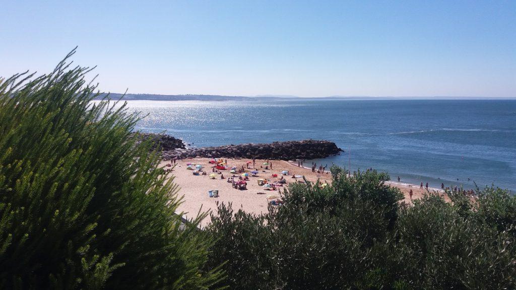 пляж в городе Оэйраш