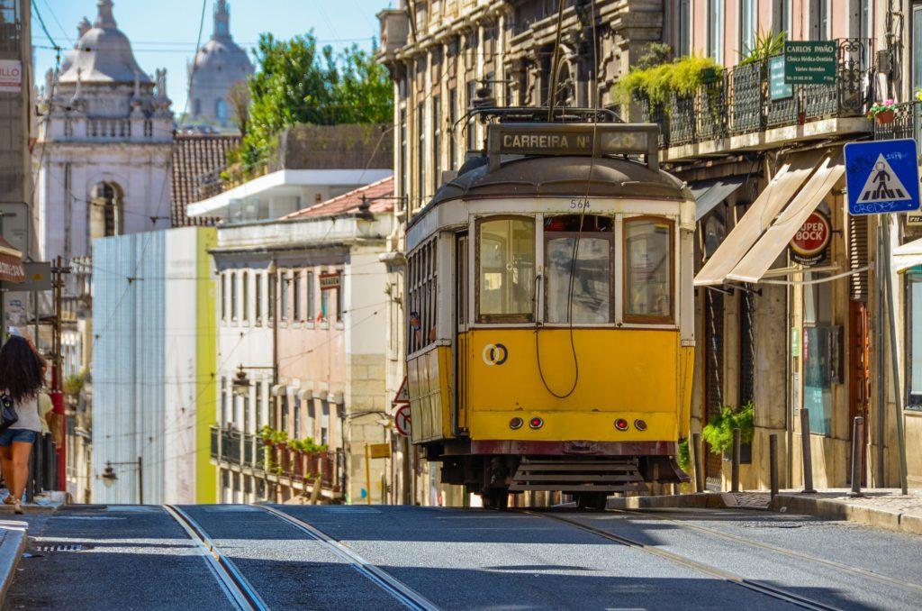 где лучше жить в лиссабоне туристу