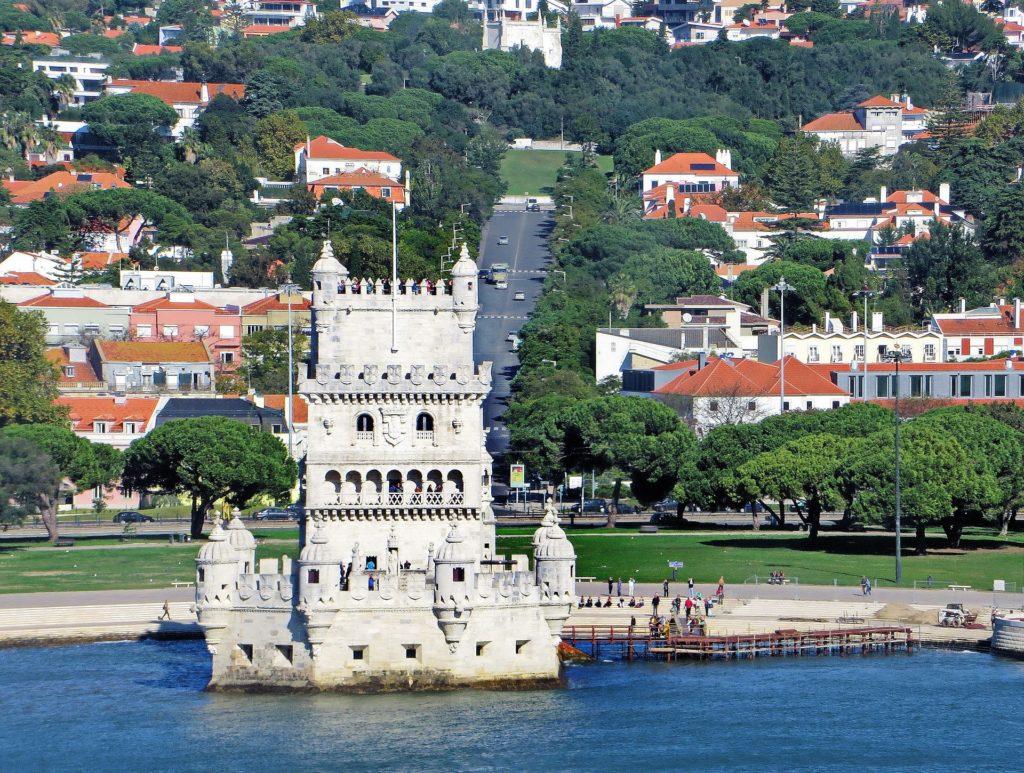 Южная сторона башни белем