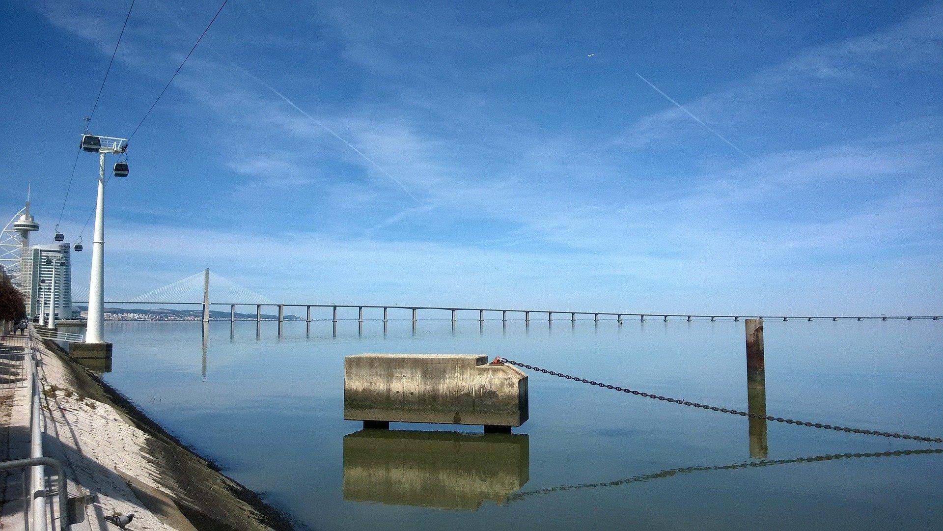 где находится мост васко да гама