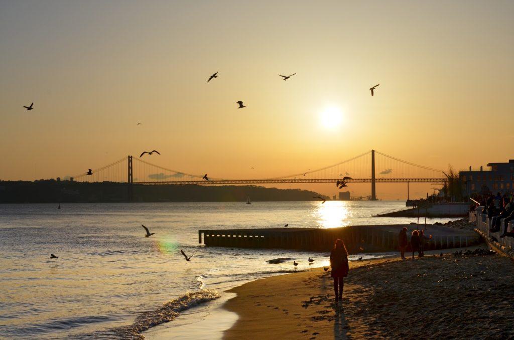 Пляж в Лиссабоне