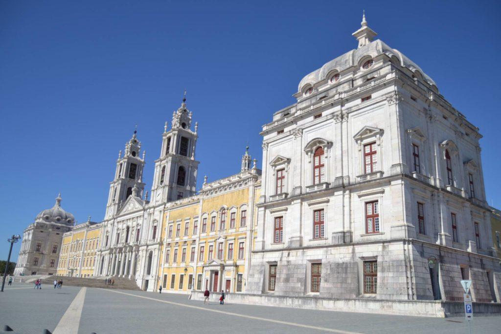 Лиссабон достопримечательности Дворец Мафра