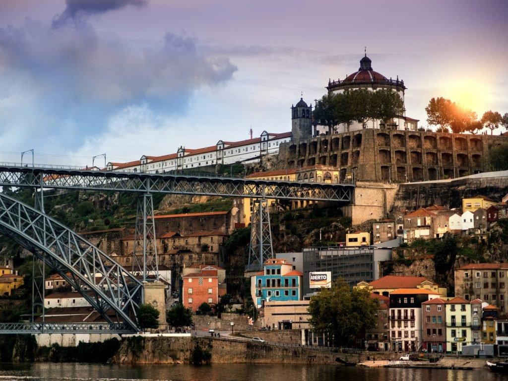 Самые красивые заказты и рассветы на мосту Луиша