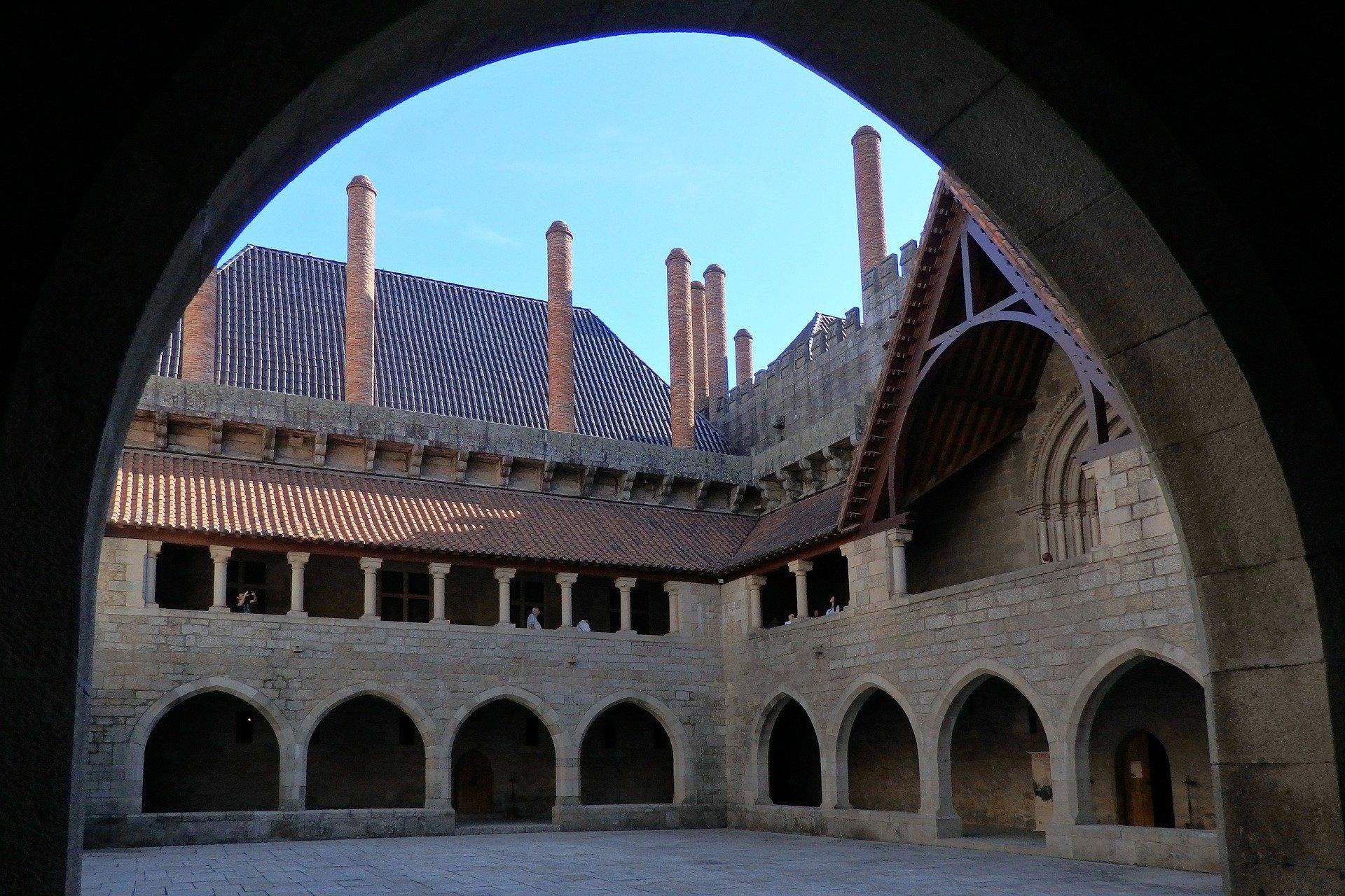 Дворец герцогов Браганса