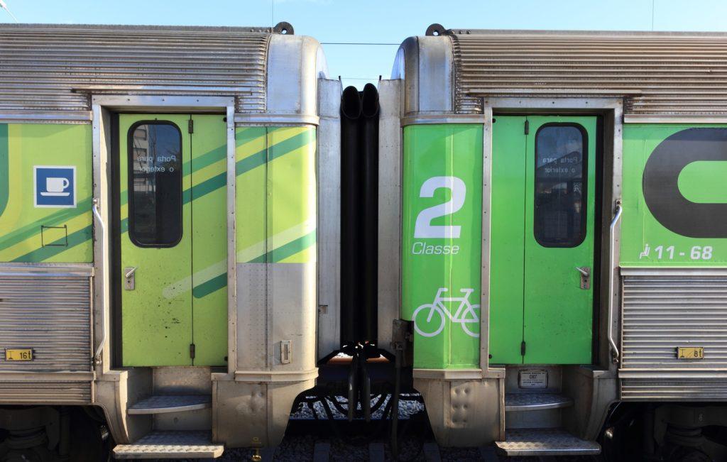 Поезд Intercidades