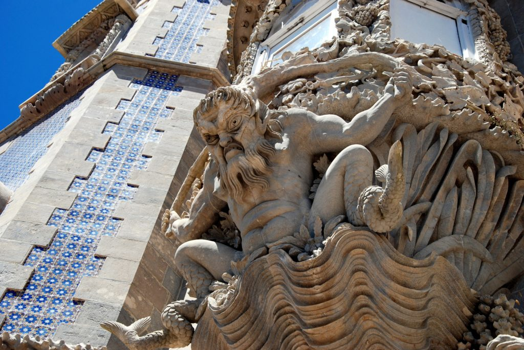 скульптура тритона
