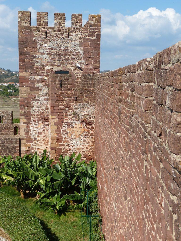 Достопримечательности - Крепость Силвеш