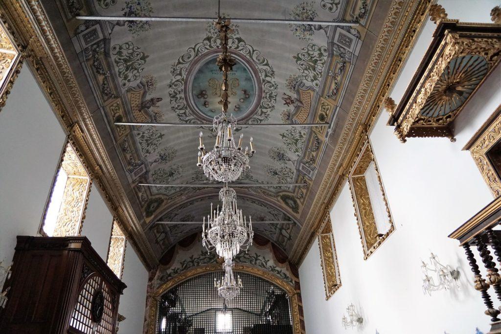 Внутри Convento e Capela de Nossa Senhora da Esperança.