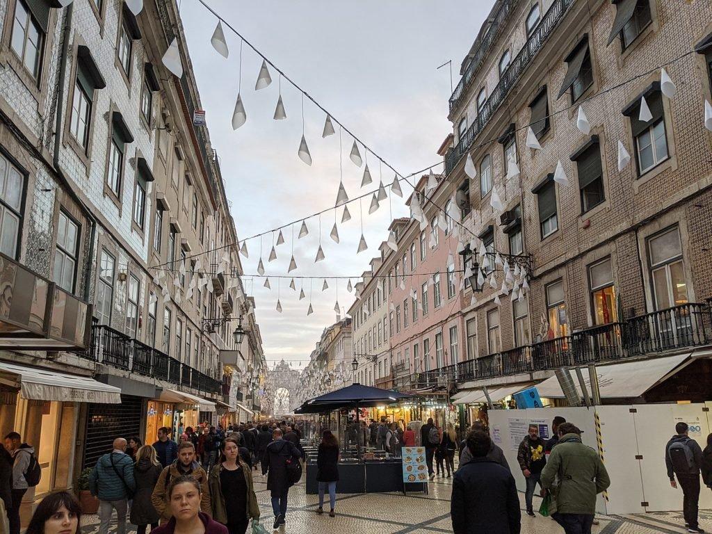 Новогодние украшения Лиссабона
