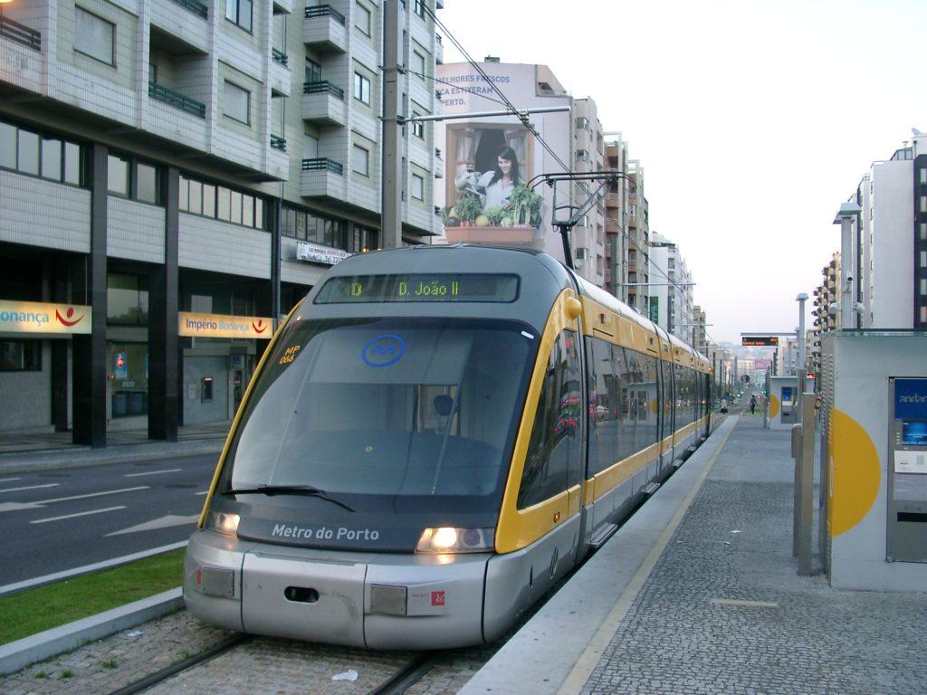 Вагоня метро в Порту
