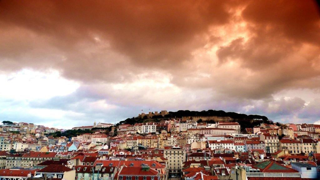 Погода по месяцам в Лиссабоне