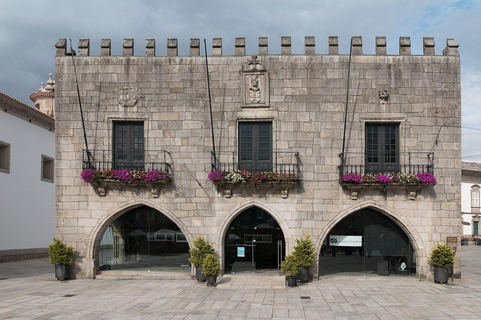 Здания в городе виану ду каштелу