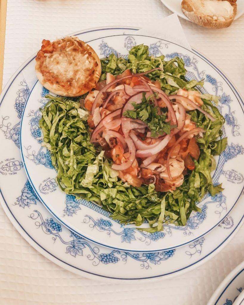 Салат с октопусом