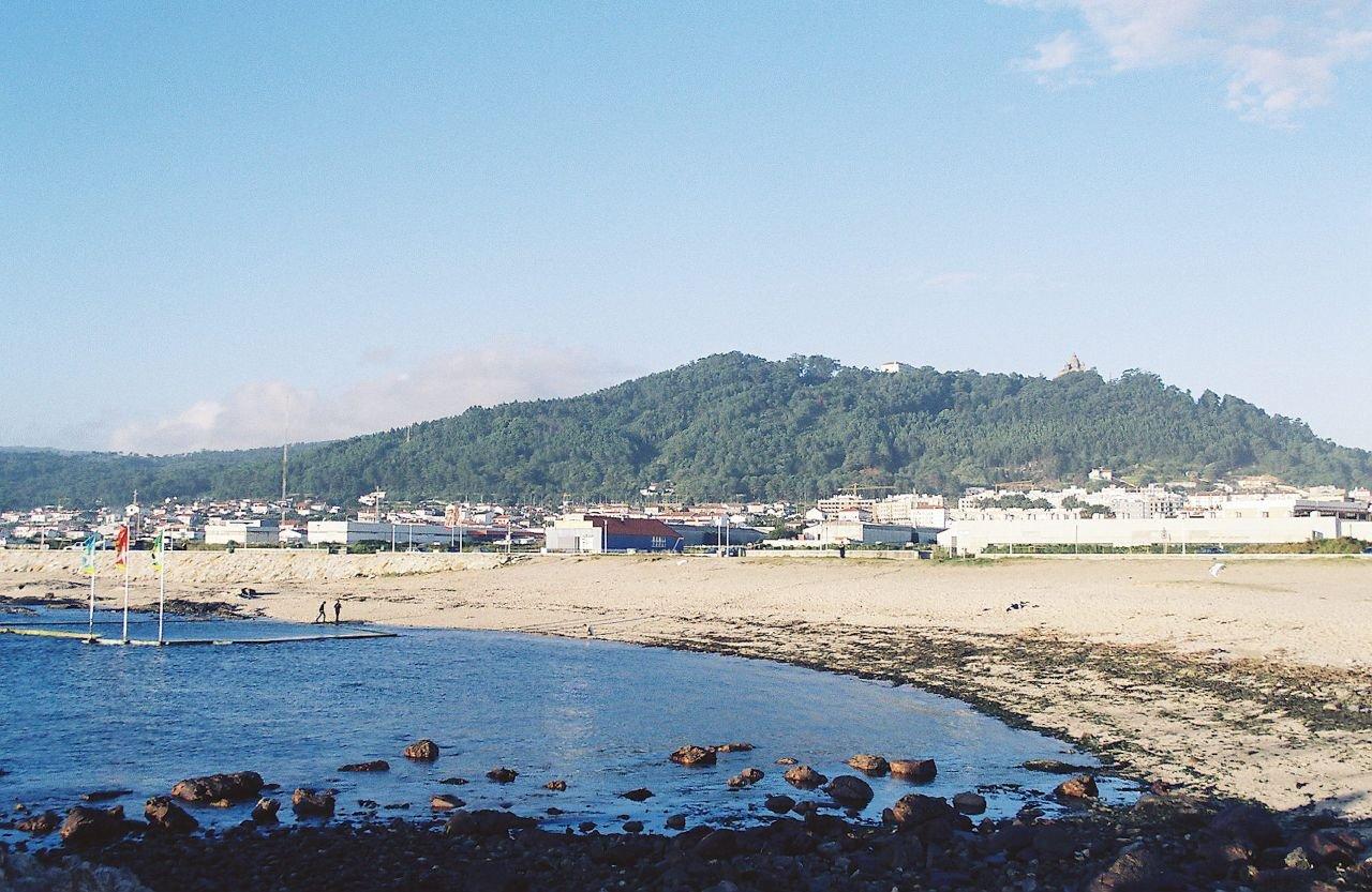 Пляж Норте рядом с городом